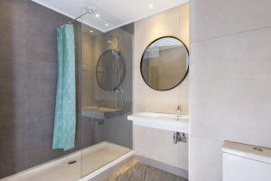 Villa Bathroom Clean Technical Shot